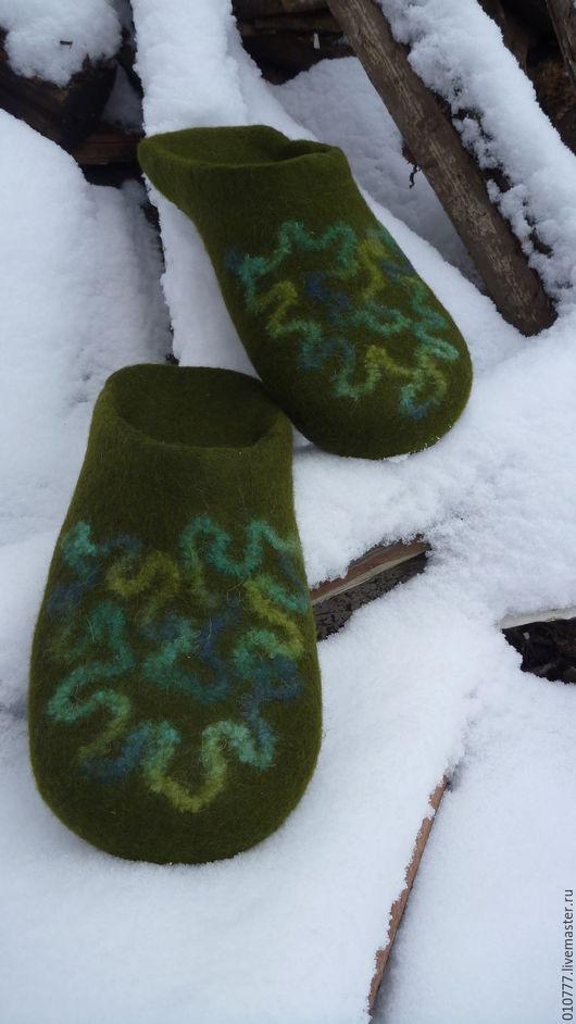 Обувь ручной работы. Ярмарка Мастеров - ручная работа. Купить Тапочки домашние валянные. Handmade. Тёмно-зелёный, подарок, Валяние