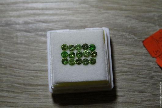 Для украшений ручной работы. Ярмарка Мастеров - ручная работа. Купить Демантоид, ограненый камень. Handmade. Зеленый, натуральные камни