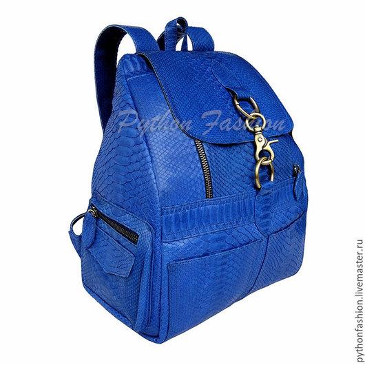 Рюкзак из кожи питона. Рюкзак из питона на молнии. Авторский рюкзак из питона на заказ. Купить модный рюкзак из питона. Стильный ранец из питона. Красивый рюкзак из кожи питона. Яркий городской рюкзак