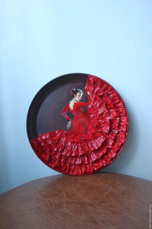 """Декоративная посуда ручной работы. Ярмарка Мастеров - ручная работа. Купить """"Фламенко"""" тарелка. Handmade. Ярко-красный, тарелка настенная"""