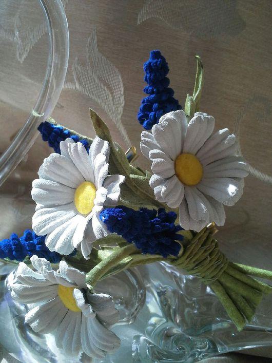Броши ручной работы. Ярмарка Мастеров - ручная работа. Купить Цветы из кожи ромашки. Handmade. Цветы из кожи, мускари из кожи