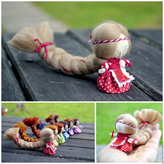 Народные куклы ручной работы. Ярмарка Мастеров - ручная работа. Купить Куколка на счастье в красном наряде. Handmade. Куколка, коса