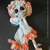 Куклы и игрушки ручной работы. Ярмарка Мастеров - ручная работа Продаётся Баронесса Адель фон Ле Флёр черепушка-погремушка. Handmade.