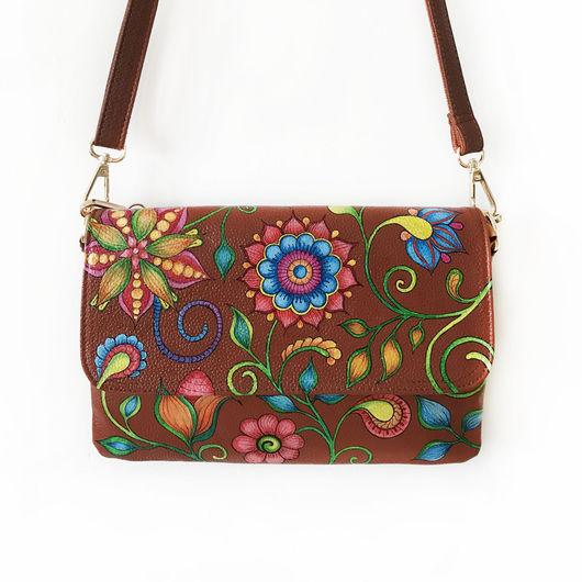 Кожаная сумка с ручной росписью `Цветы`. Кожаная сумка с рисунком.