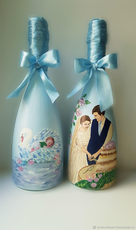 The Design Of The Bottles Painted Bottles Wedding Bottle Decor
