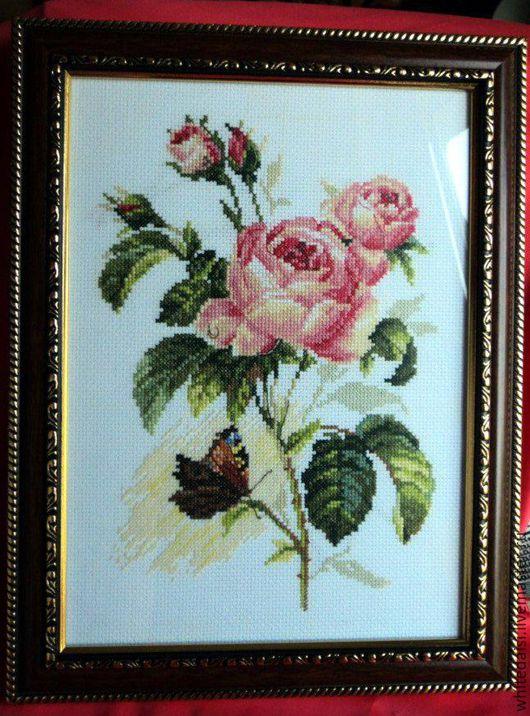 Картины цветов ручной работы. Ярмарка Мастеров - ручная работа. Купить Роза и бабочка. Handmade. Вышивка, интерьер, ручная работа