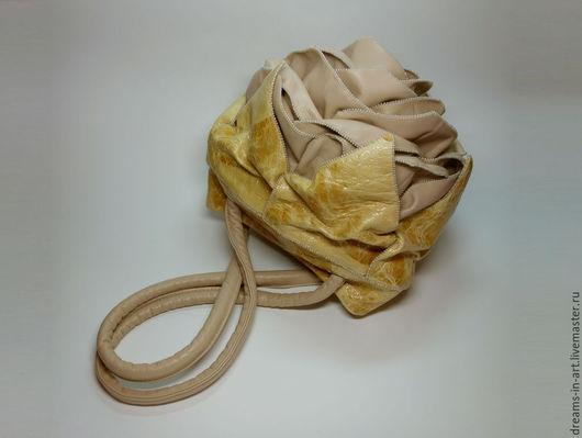 """Женские сумки ручной работы. Ярмарка Мастеров - ручная работа. Купить Авторская кожаная сумочка-роза """"Cream brulee"""". Handmade."""