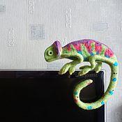 Войлочная игрушка ручной работы. Ярмарка Мастеров - ручная работа Валяная игрушка. Хамелеон. Handmade.