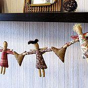 Куклы и игрушки ручной работы. Ярмарка Мастеров - ручная работа Девули-красотули (гирлянда). Handmade.