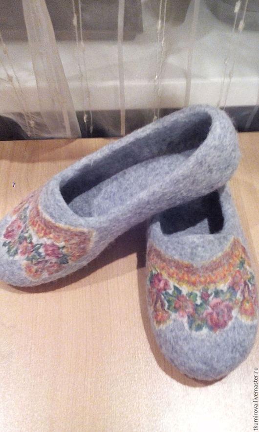 Обувь ручной работы. Ярмарка Мастеров - ручная работа. Купить Тапочки в Русском Стиле. Handmade. Серый, подарок