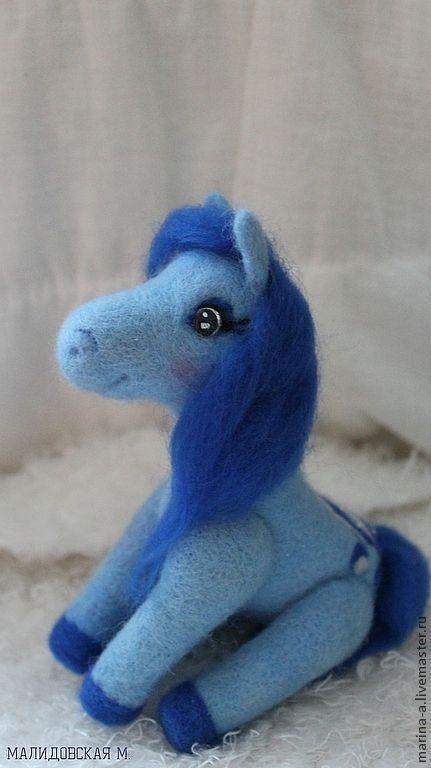 Игрушки животные, ручной работы. Ярмарка Мастеров - ручная работа. Купить Голубая лошадь из шерсти. Handmade. Синий, лошадь, голубой