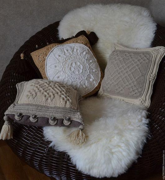 """Текстиль, ковры ручной работы. Ярмарка Мастеров - ручная работа. Купить Подушка диванная вязаная """"Молоко и сахарная печенька"""". Handmade."""