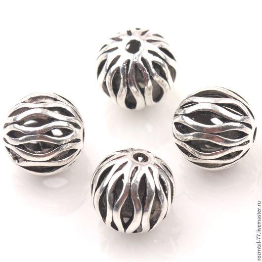 Бусины металлические ажурные с орнаментом в виде волн . Бусины полые внутри .Форма бусин круглая, цвет античное серебро.