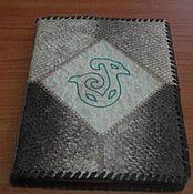 Канцелярские товары ручной работы. Ярмарка Мастеров - ручная работа Обложка из рыбьей кожи для блокнота или книги. Handmade.
