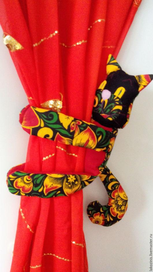 """Текстиль, ковры ручной работы. Ярмарка Мастеров - ручная работа. Купить """"Хохломские коты"""". Handmade. Хохлома, держатель зановесок, синтепон"""