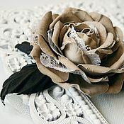 Украшения ручной работы. Ярмарка Мастеров - ручная работа Брошь - зажим для волос -  роза из кожи. Handmade.