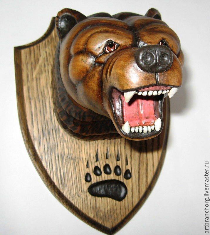`Медведь` - трофейный медальон на стену. Ручная работа, резьба по дереву.