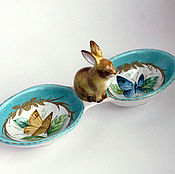 """Посуда ручной работы. Ярмарка Мастеров - ручная работа Роспись фарфора. Менажница """"Кролик и бабочки"""". Handmade."""