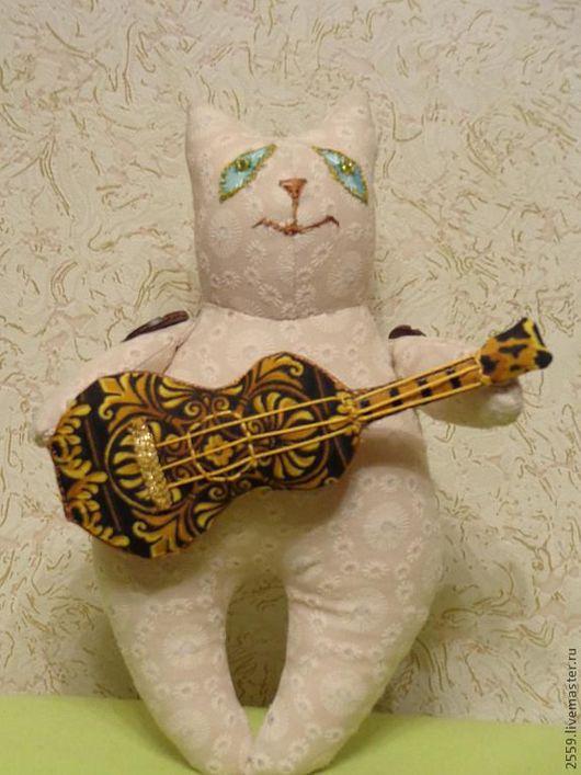 Игрушки животные, ручной работы. Ярмарка Мастеров - ручная работа. Купить Романтический кот Март. Handmade. Ушки, весна, бисер
