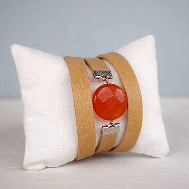 Украшения ручной работы. Ярмарка Мастеров - ручная работа Браслет бежево-оранжевый для девушки в подарок. Handmade.