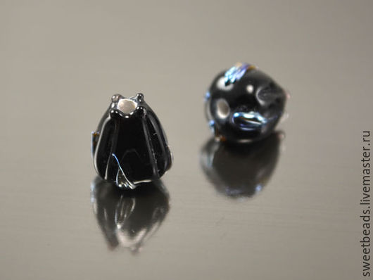 Для украшений ручной работы. Ярмарка Мастеров - ручная работа. Купить Бутон лэмпворк лампворк, черный с серебристыми листиками. Handmade.