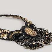 Украшения ручной работы. Ярмарка Мастеров - ручная работа Вышитое бисером колье Змея черное с золотым. Handmade.