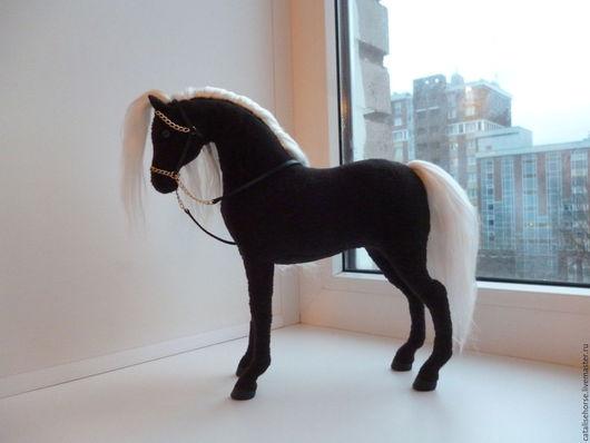 Игрушки животные, ручной работы. Ярмарка Мастеров - ручная работа. Купить Текстильная лошадка Полночь.. Handmade. Чёрно-белый, черная