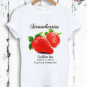 Одежда handmade. Livemaster - original item T-shirt white with print in the form of strawberries - TEE10022CT. Handmade.