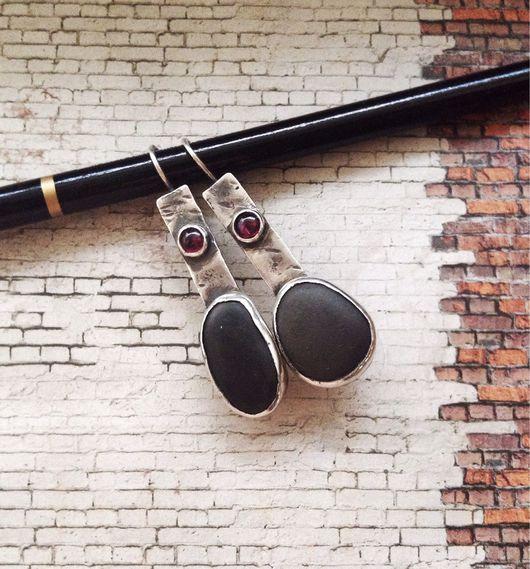 """Серьги ручной работы. Ярмарка Мастеров - ручная работа. Купить Серьги с галькой и гранатом """"Скала"""". Handmade. Серьги с галькой"""