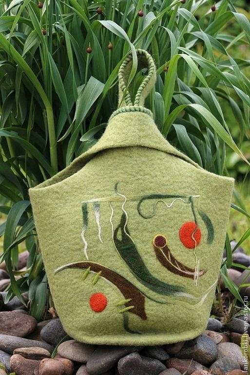 """Женские сумки ручной работы. Ярмарка Мастеров - ручная работа. Купить Войлочная сумка """"Японский узелок"""" валяная зеленый фисташковый цвет. Handmade."""