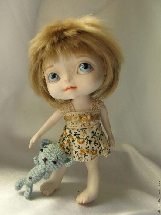 Маленькая куколка, всего лишь 14,5 см ростиком!