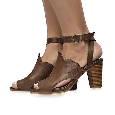 Обувь ручной работы. Ярмарка Мастеров - ручная работа Miracle. Винтажные босоножки из натуральной кожи.. Handmade.