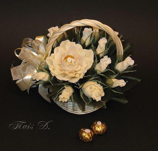 Букеты ручной работы. Ярмарка Мастеров - ручная работа. Купить Розы. Handmade. Букет из конфет, подарок на 8 марта