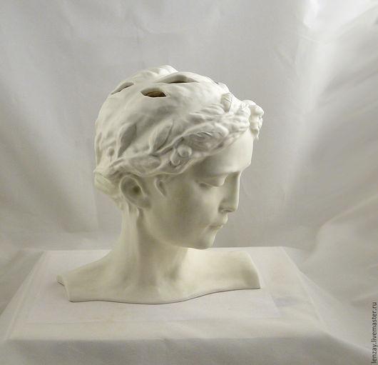 Керамическая скульптурная ваза для живых цветов. Фаянс, матовая глазурь цвета антик. Керамика Елены Зайченко