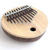 Музыкальные инструменты ручной работы. Ярмарка Мастеров - ручная работа Калимба кокос с 11 язычками (большая). Handmade.