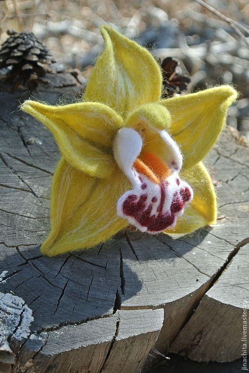 Броши ручной работы. Ярмарка Мастеров - ручная работа. Купить Брошь из войлока Орхидея Цимбидиум зеленый. Handmade. Зеленый