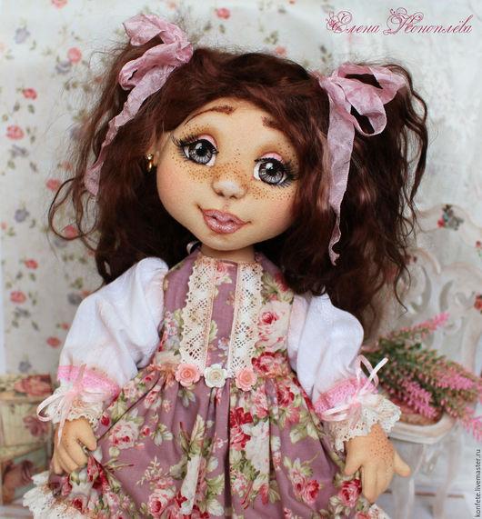 Коллекционные куклы ручной работы. Ярмарка Мастеров - ручная работа. Купить Кукла Глашенька текстильная интерьерная с объемным личиком. Handmade.