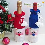 """Подарки к праздникам ручной работы. Ярмарка Мастеров - ручная работа """"Дед Мороз"""" вязаный декоративный чехол на бутылку. Handmade."""