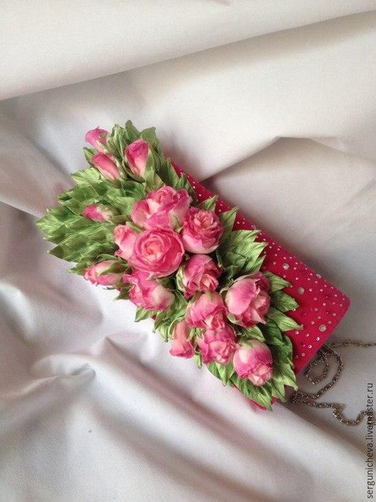 """Женские сумки ручной работы. Ярмарка Мастеров - ручная работа. Купить Клатч""""Розовые грезы"""". Handmade. Розовый, цветы из шелка"""