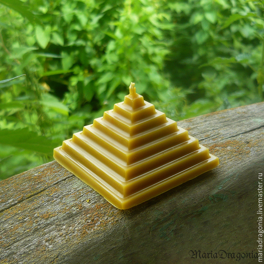 Свечи ручной работы. Ярмарка Мастеров - ручная работа. Купить Восковая свеча Пирамидка (свечи из пчелиного воска). Handmade. Желтый
