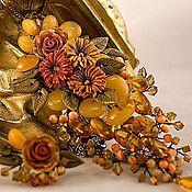 Украшения ручной работы. Ярмарка Мастеров - ручная работа Комплект из кулона и серег с янтарём Осенние цветы. Handmade.
