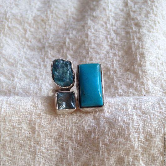 """Кольца ручной работы. Ярмарка Мастеров - ручная работа. Купить Кольцо """"Три голубых камня"""". Handmade. Голубой, кольцо с бирюзой"""