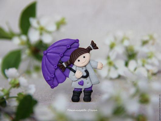 Броши ручной работы. Ярмарка Мастеров - ручная работа. Купить Первый дождь. Брошь. Handmade. Сиреневый, девочка с зонтиком, весна