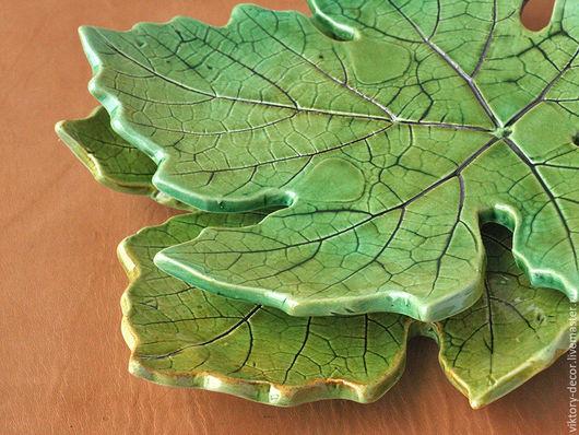 Тарелки ручной работы. Ярмарка Мастеров - ручная работа. Купить Тарелка керамическая  Лист винограда. Handmade. Зеленый, тарелка