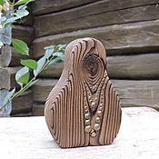 Подарки к праздникам ручной работы. Ярмарка Мастеров - ручная работа Монисто - деревянная девочка. Handmade.