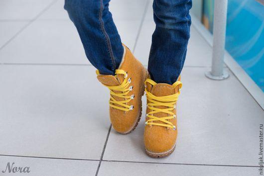 Детская обувь ручной работы. Ярмарка Мастеров - ручная работа. Купить Валяные ботинки детские Солнечное настроение. Handmade. Желтый