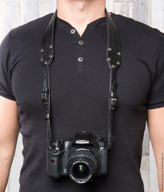 Пояса, ремни ручной работы. Ярмарка Мастеров - ручная работа. Купить Кожаный ремень для фотоаппарата черный. Handmade. Черный, никель