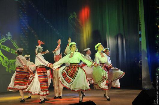 Танцевальные костюмы ручной работы. Ярмарка Мастеров - ручная работа. Купить Национальный Болгарский танец. Handmade. Ярко-красный, фольклор