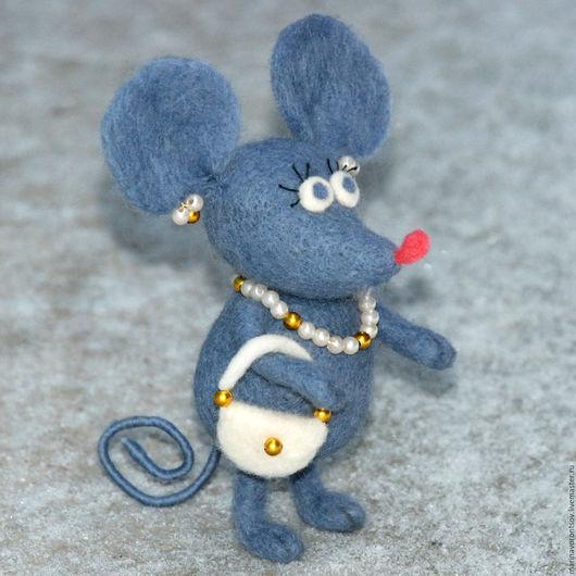Милая войлочная Мышка Маришка —  один из любимых персонажей  моего мужа, иллюстратора детских книг дяди Коли Воронцова.