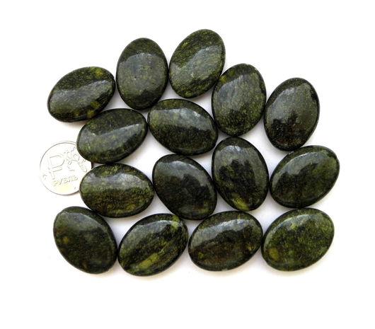 Для украшений ручной работы. Ярмарка Мастеров - ручная работа. Купить Змеевик 15 камней набор темно - зеленый овальные бусины -  монетки. Handmade.